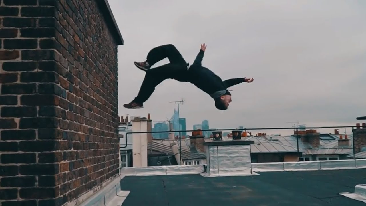 Parkour and Freerunning 2017 - Extreme Stunts
