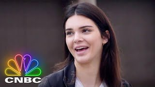 Kendall Jenner, Jay Leno And The Ladies Of Jay Leno's Garage