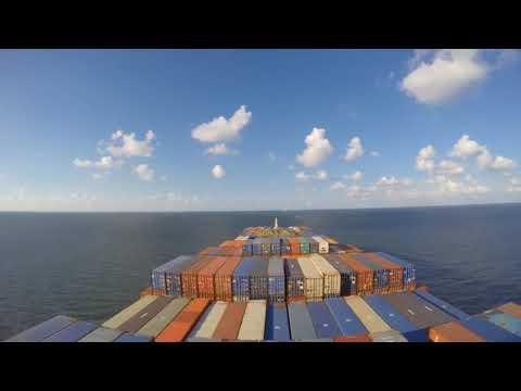 (Amazing..!!!)Suez Canal in 6 minutes..APL Dublin