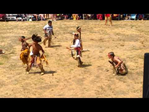 Mashpee Wampanoag Tribe powwow 2016 Native Youth boys dance