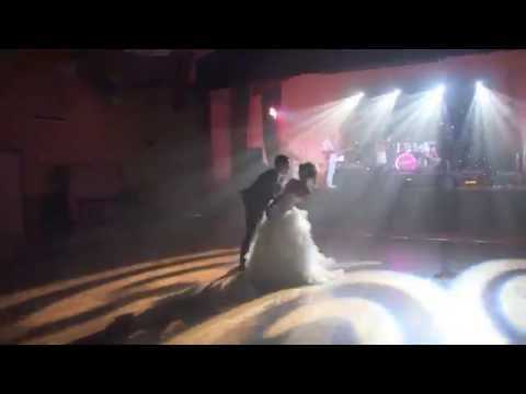 Ouverture surprise de bal mariage - Modern wedding first dance