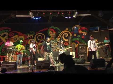 YAMUNE BAND LIVE IN VANUATU-_-ARINGGUMANALU😉😉😉😉😉😉😉😉😉😉😊😊