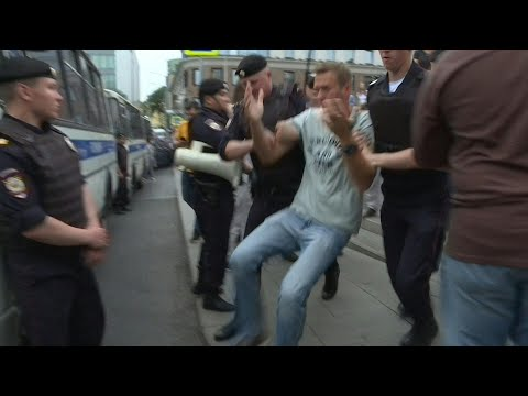 More than 400 arrested, including opposition leader Navalny, at Moscow march | AFP