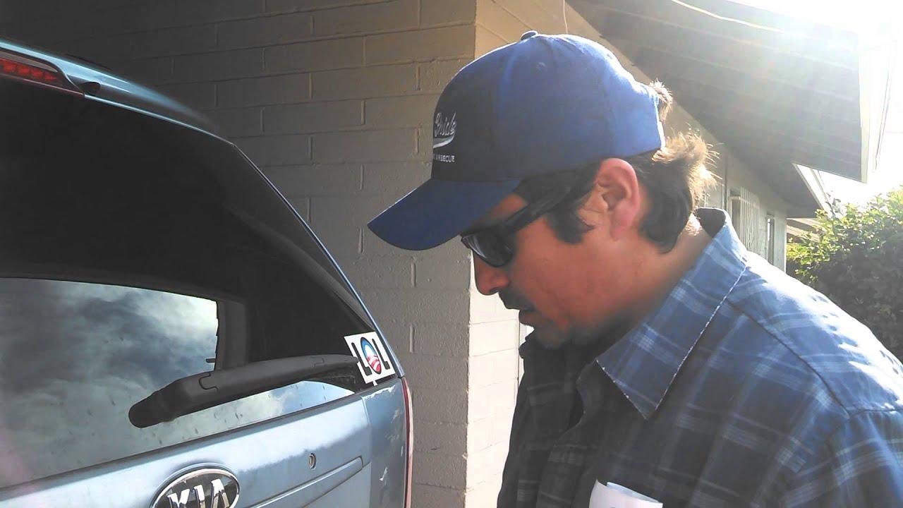 Kia Sedona Rear Wiper Change Out Youtube 2005 Window Motor