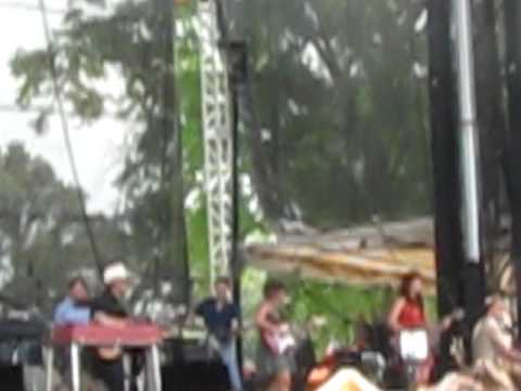Norah Jones - Cry Cry Cry (Johnny Cash cover) - Bonnaroo 2010