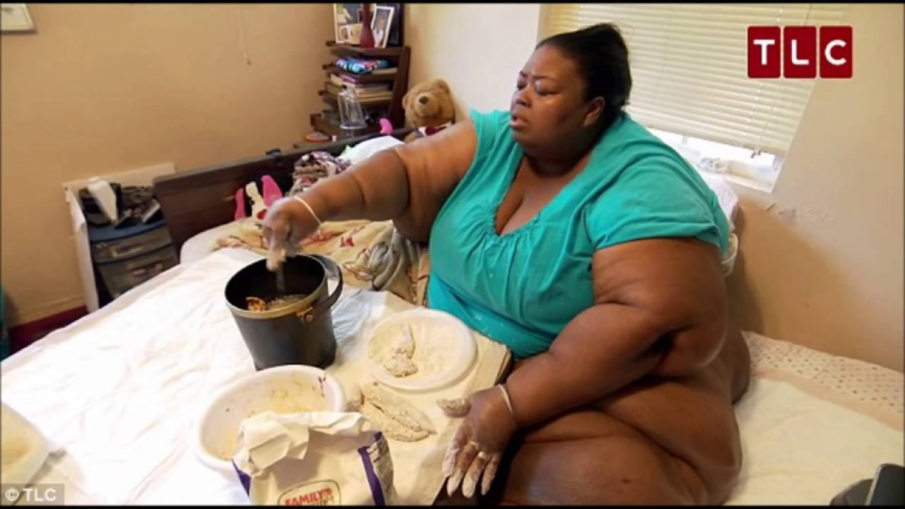 800 Pound Woman Fries Chicken On Hot Plate Prayers Needed
