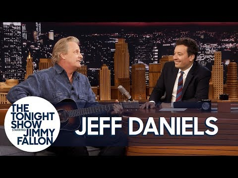 Ryan Reynolds Inspired Jeff Daniels to Write a