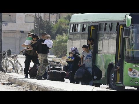 مهجرو #دمشق وريفها يشتكون قلة المساعدات المقدمة في جسر الشغور  - نشر قبل 42 دقيقة