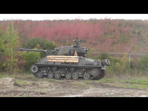 M4A2E8 Sherman (Part 1)  Engine deck and Ammunition
