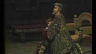 Yevgeny Nesterenko as Boris Godunov