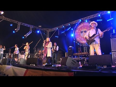 The last day of the Wickham Festival, with Maddy Prior and Steeley Span