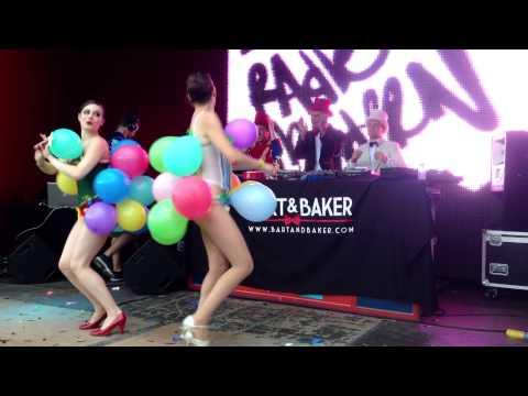 Tomorrowland - Radio Ultra Modern popping balloons
