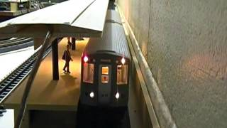 MTH 3200 cta series subway (busy station)