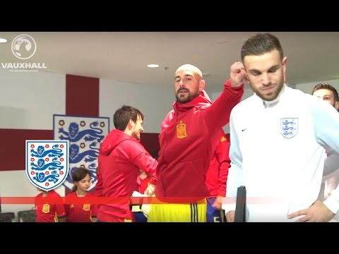 Reina & Henderson Reunite - England v Spain (Tunnel Cam) 2016 Friendly | Inside Access
