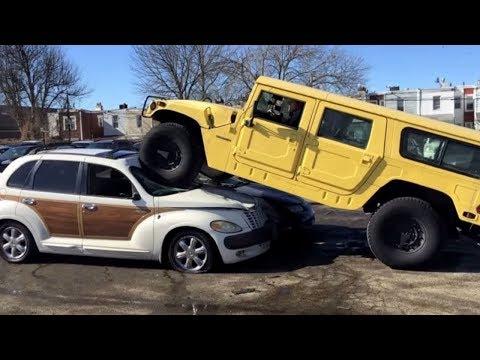 Я раздавил Chrysler PT Cruiser Hummer'ом