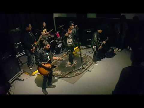 The Rudean - Dewi Malam live at Rockband Showcase 3.0 Penvia Studio