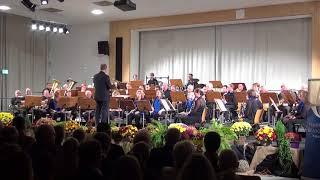 Symphonisches Blasorchester Werk Gendorf    DER SONNE ENTGEGEN