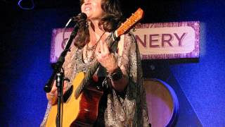 Watch Amy Grant Nobody Home video