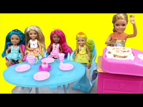chelsea-and-stacie-cook-food-for-dreamtopia-doll-friends---hot-dog---veggies---pizza---dessert