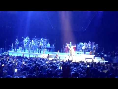 Neil Diamond - Encore: Sweet Caroline | Live at the Smoothie King Center in New Orleans