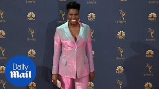 Leslie Jones wears a cotton candy colored suit to 2018 Emmy Awards thumbnail