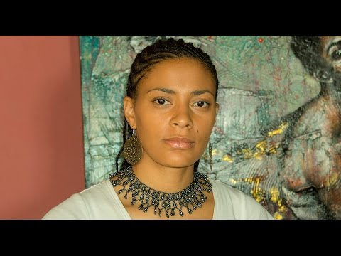 Sona Jobarteh - 1 On 1 | GhanaMusic.com Video