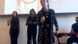 Jess Glynne a Milano - Don't Be So Hard on Yourself (09/09/15) Mp3