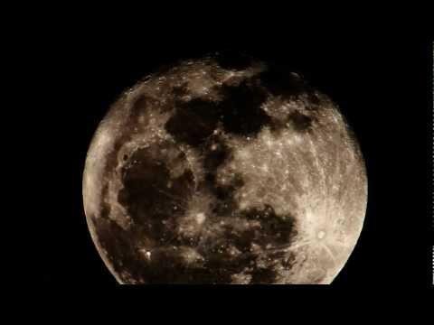 Huge Full Moon Rise - Realtime 2600mm 720p HD V10798a