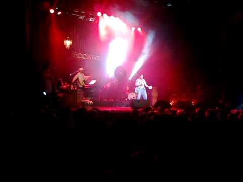 Jeff singing karaoke at Rockwiz Live