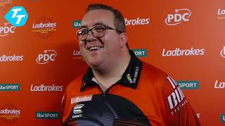Stephen Bunting on 107 average!