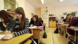 Директор школы №39 г.Владимир беседует со школьником о Навальном!
