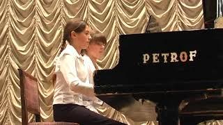 2007 11 04 ФІЛАРМОНІЯ Катя і Юля