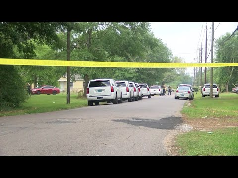 Mobile police investigate deadly shooting on Chevalier Drive