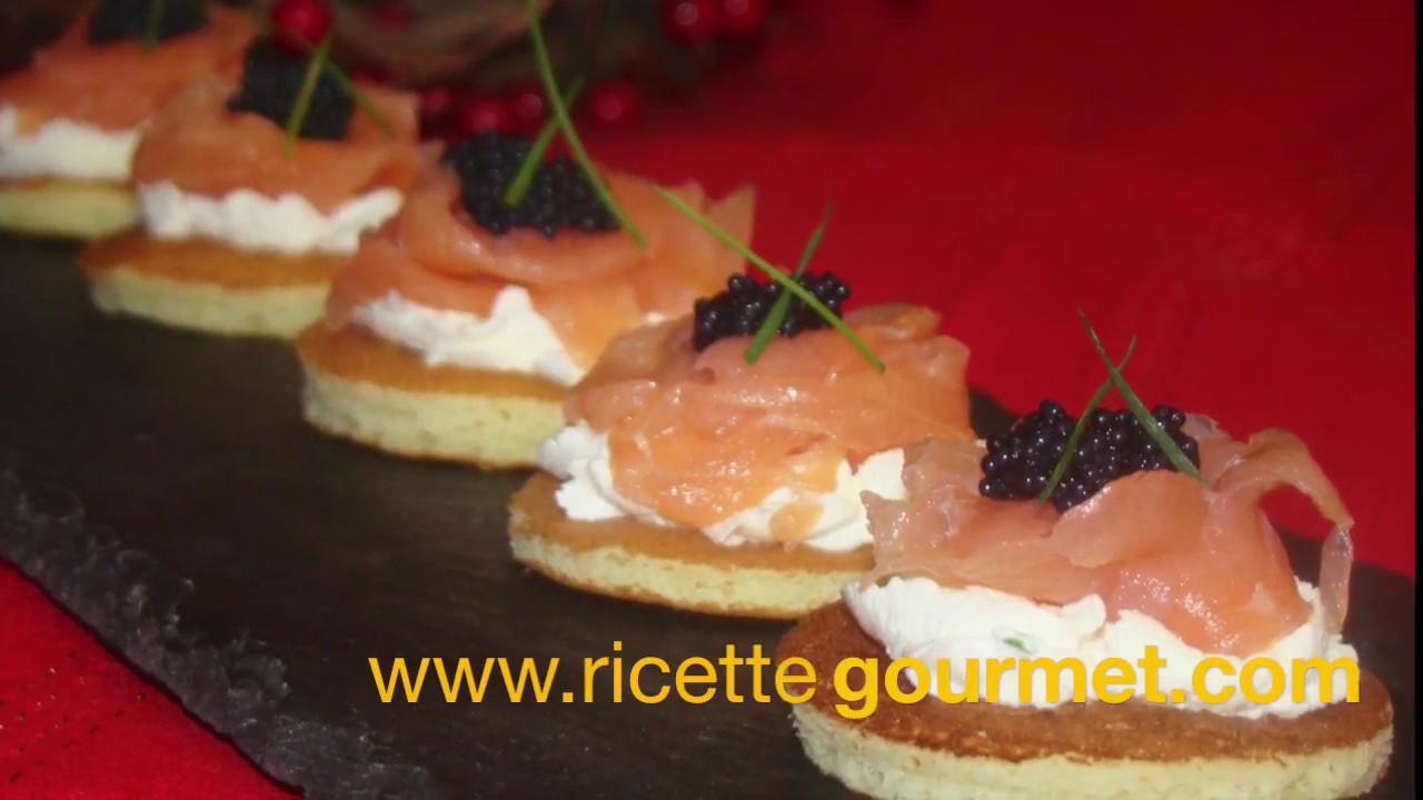 Blinis con salmone antipasti sfiziosi youtube for Antipasti sfiziosi