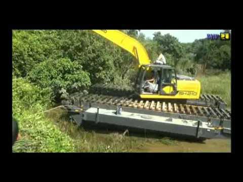 Dinas Bina Marga & Pengairan Kabupaten Kampar Excavator amfibi
