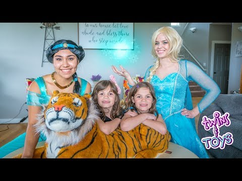 Frozen ELSA and Princess Jasmine Play HIDE AND SEEK!