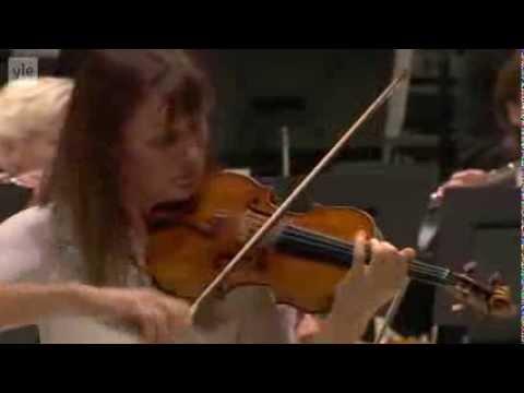 Shostakovich: Violin Concerto No. 1 - Viktoria Mullova (3/3)