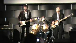 """Yesterday And Today Performs """"drive My Car"""" Live At The Fest For Beatles Fans Nyc"""