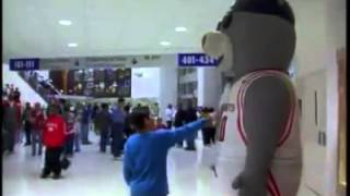 Repeat youtube video Houston Rockets Air Clutch in Beware of the Bear