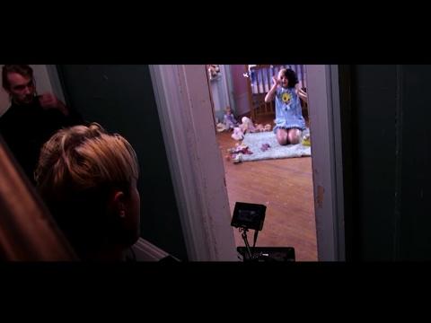 Melanie Martinez (Cry Baby) Por Tras Das Câmeras