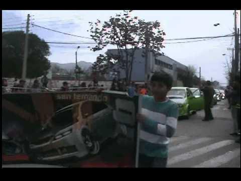 DESFILE AUTOS MODIFICADOS SAN FERNANDO 2012(djzorrito)