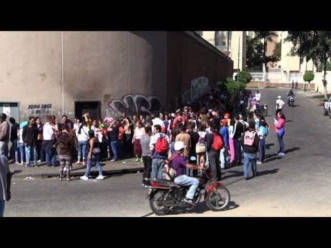 Venezuelans line up to buy food in crisis-hit capital