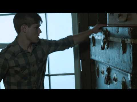 Flowers in the Attic Trailer