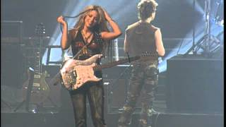 Celebrity news and gossip -- shakira shakin' her thing on the set of her latest pepsi commercial