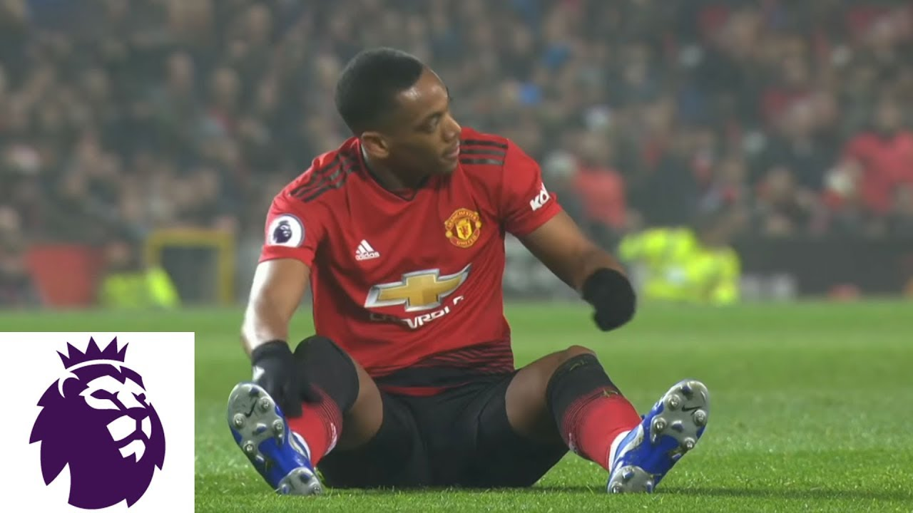 Manchester United reach last 32 after Anthony Martial strikes ...