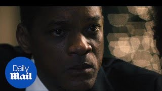 Will Smith stars in the new film 'Concussion' - Daily Mail