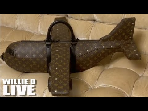 Steve Harvey's Wife Marjorie Shows Off New $50,000 Purse; Fans Call It UGLY!!
