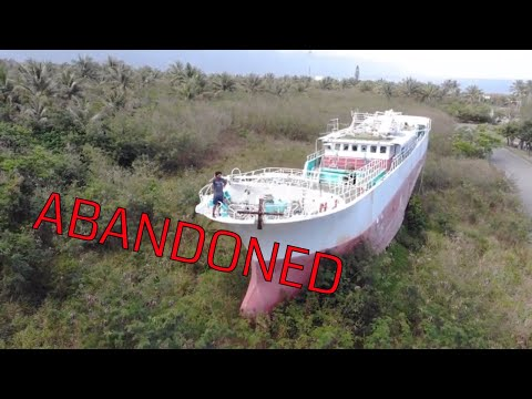 Exploring An Abandoned Ship