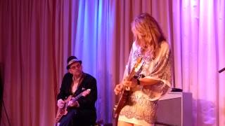 Samantha Fish and Ronnie Earl at The Bull Run - Who