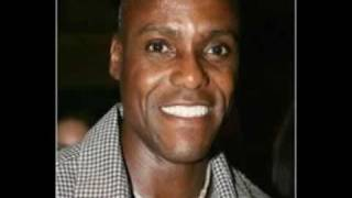 Carl Lewis Butchering the National Anthem (with laughter)